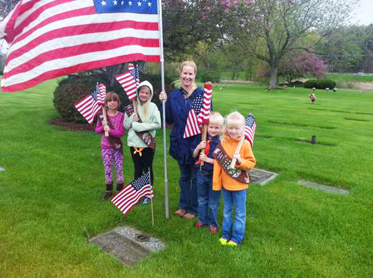 Blythefield News - Scouts Prep Gardens for Memorial Day